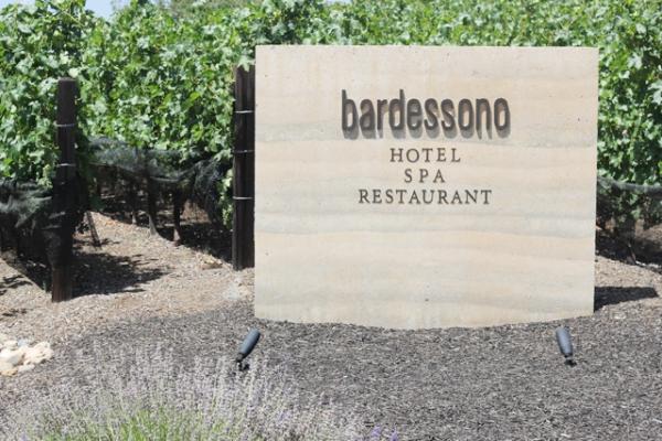 Bardossono33